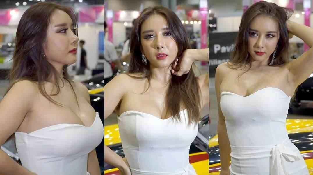 抹胸装束大奶性感尤物李素荣车展撩色 .mp4